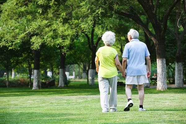 老年人走走停停,小心是下肢動脈硬化 1