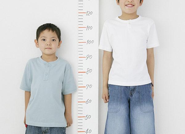 孩子不長高是因晚長?長高誤區多,高個爸媽也可能生矮個娃 10