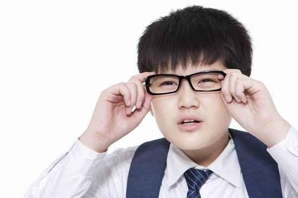 如何防治高度近視? 1