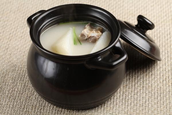 冬季喝湯能大補?煲湯越久越有營養? 1