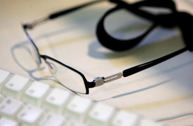 不戴老花眼鏡 有何後果? 1
