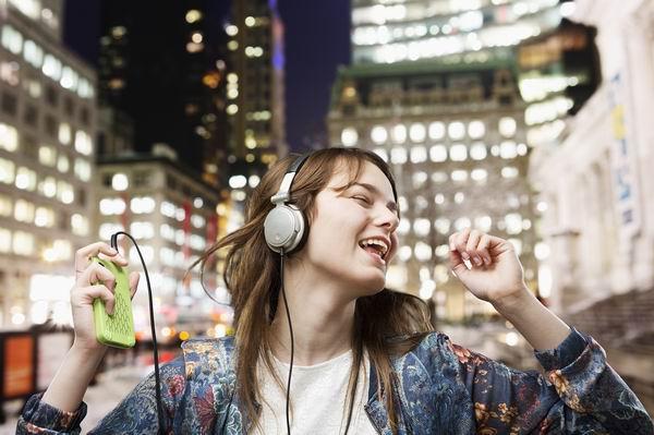長期戴耳機聽音樂會不會耳聾? 2