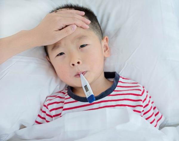 流感來了,孩子發燒要不要吃藥?要不要用抗生素? 2